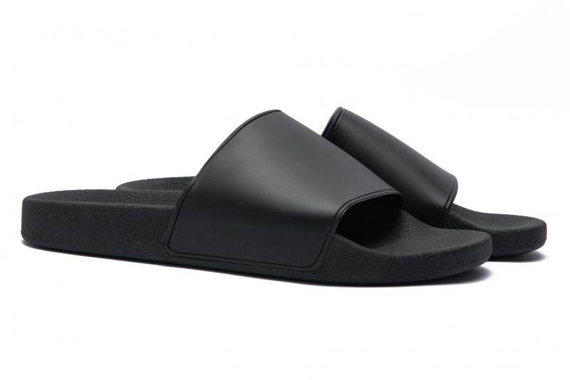 Black Pvc Flip-flops