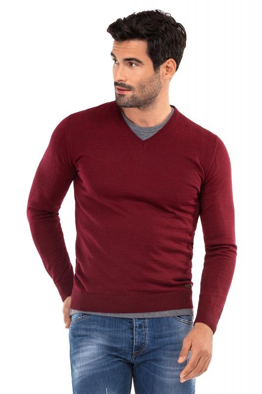 Slim Burgundy Sweater
