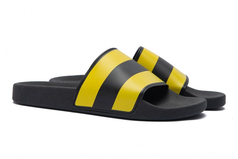Multi-colored Pvc Flip-flops